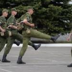 Строевая ходьба военных