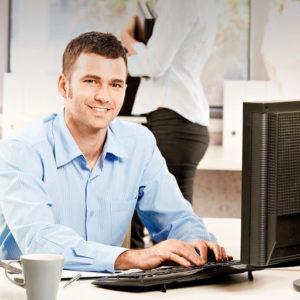 Какие вакансии предлагают в сфере торговли и какие там зарплаты